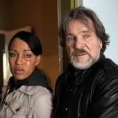 ZDF Krimi- Nachtschicht: Bruno (Götz George) macht sich zur Aufgabe Marie France (Dominique Siassia) von der Schleuserbande, für die er selbst arbeitet, zu befreien. (c) ZDF/ Stefan Persch/ Network Movie